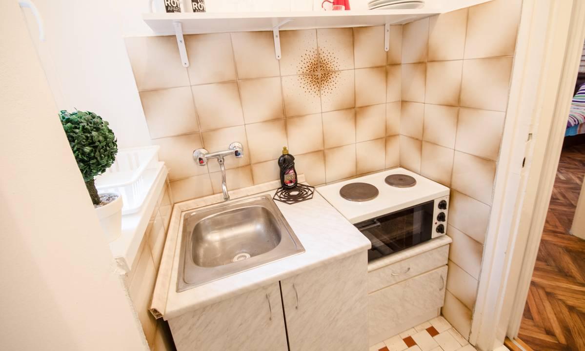 apartment box in belgrade center novi apartmani. Black Bedroom Furniture Sets. Home Design Ideas