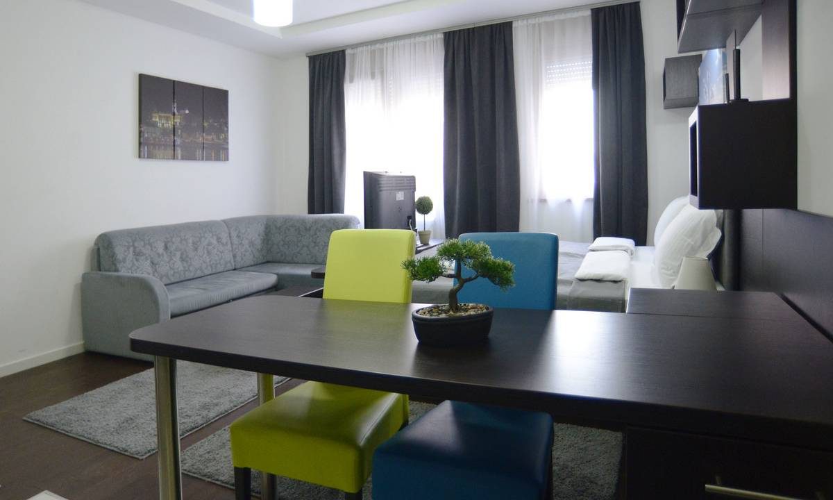 apartment Crni, A Blok Savada, Belgrade
